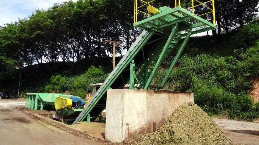 Equipment for composting plants as chippers and mats mills and storage