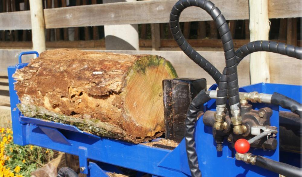 The Gas Log Splitters are portable, economical, robust and easy to transport.