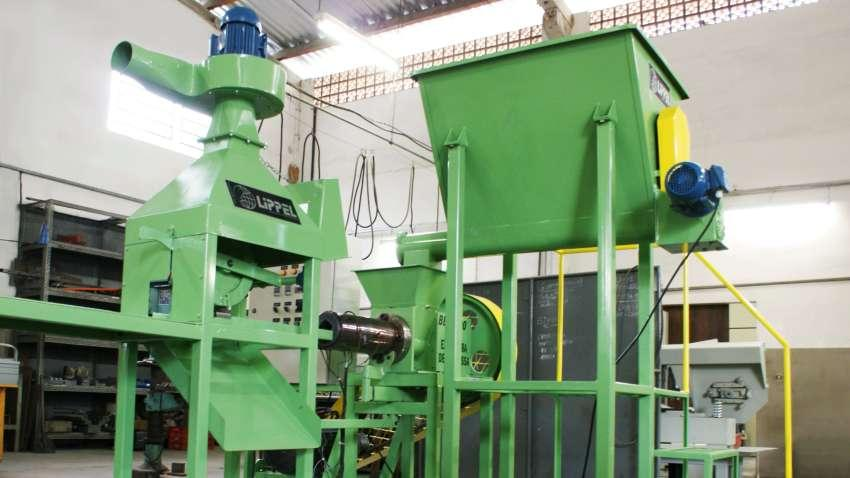 For briquetting of biomass in medium scale.