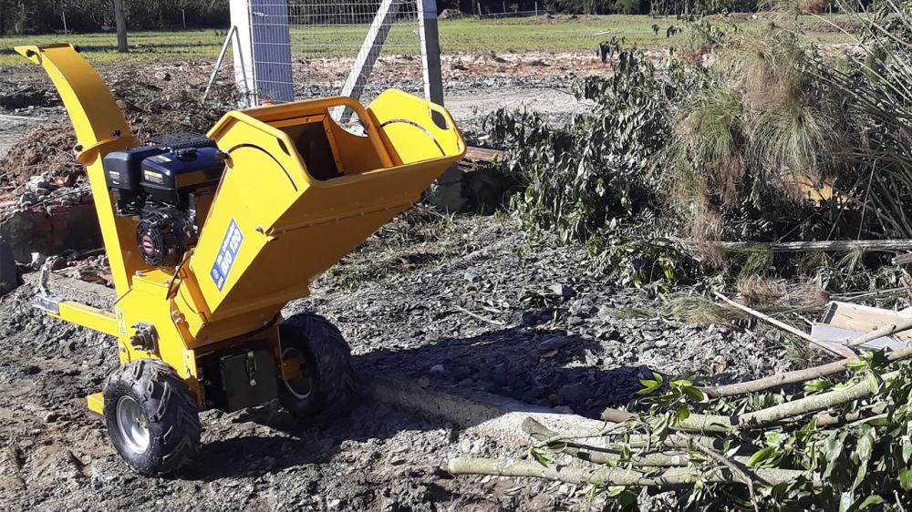 Branch Chipper sold and exported to Montevideo - Uruguay for condominium manager