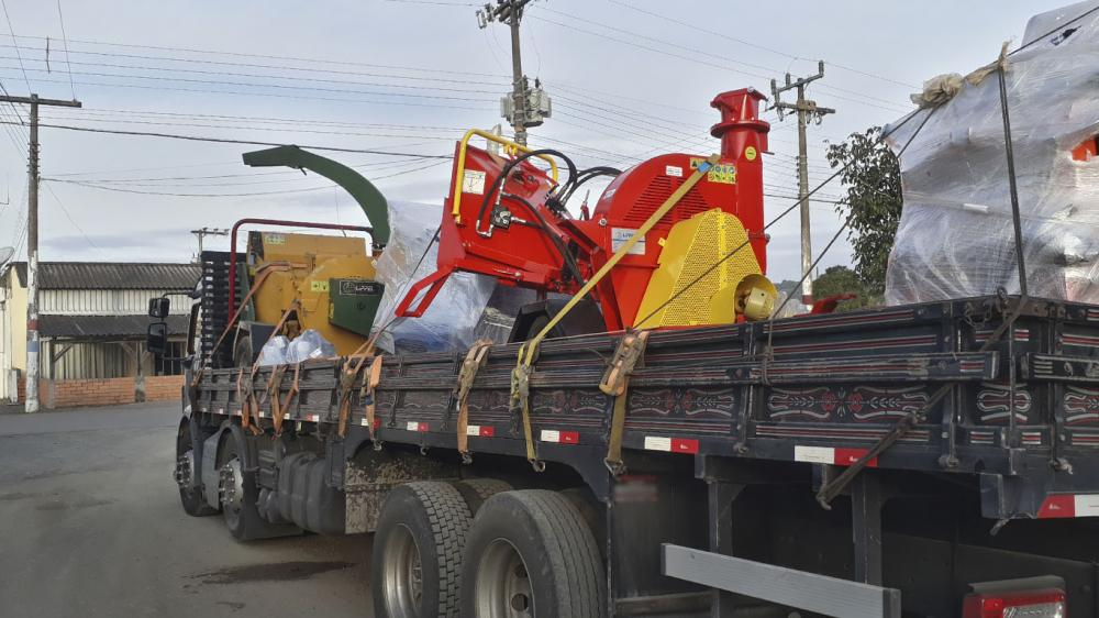 Delivery of equipment to various sectors such as urban cleaning and condominium cleaning