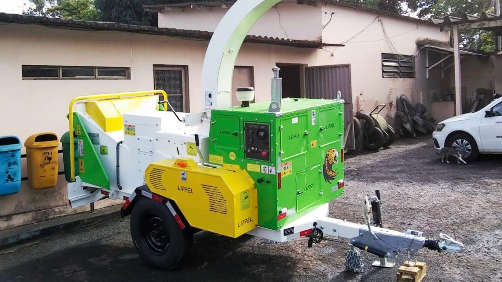 Entrega de una chipeadora de ramas para uso en el compostaje en SP