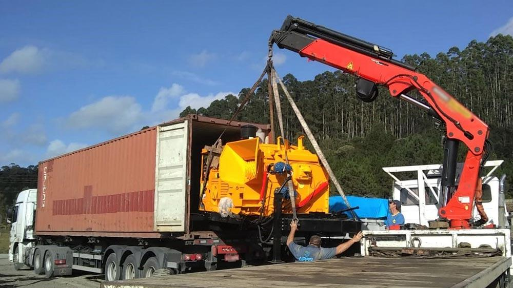 Forestry chipper exported to large timber industry in Ecuador