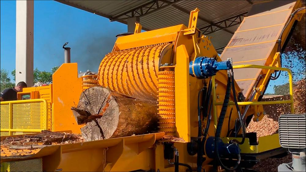 Forestry Chippers Must Have High Performance - Forestry Chippers Dragon 1200