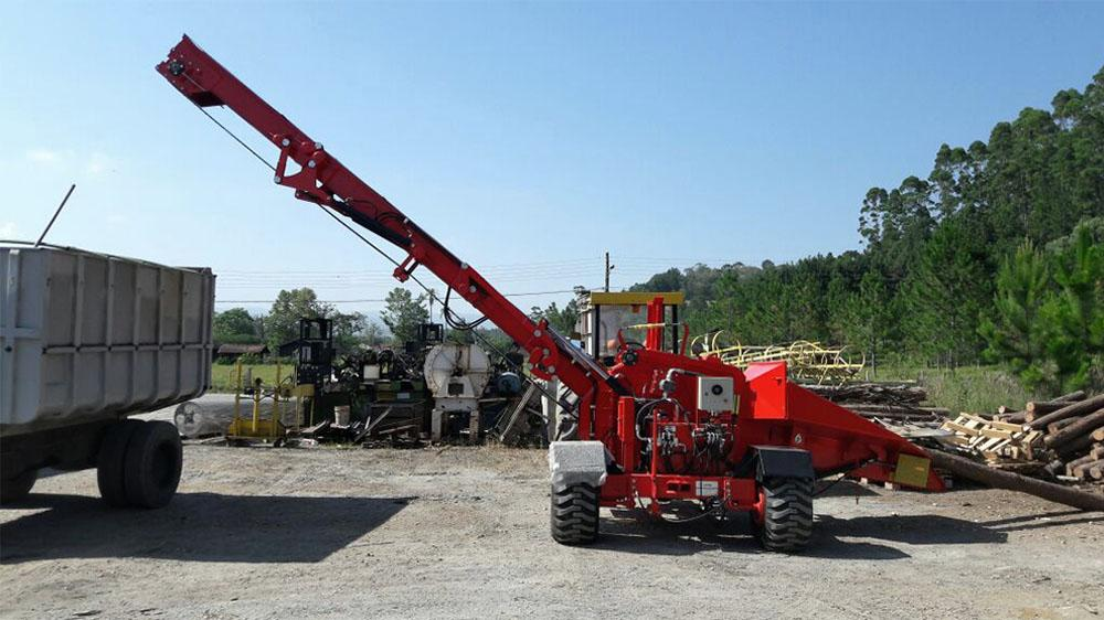 Forestry Wood Chipper PFL 300x500 TC with conveyor belt