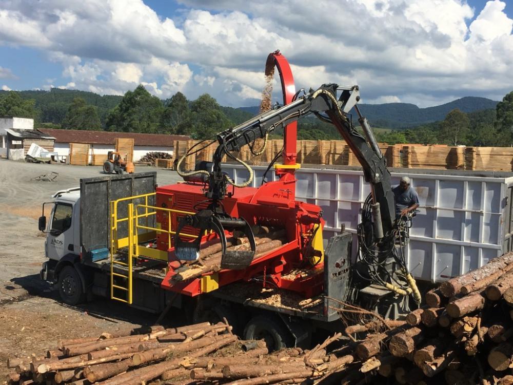 Lançamento – Picador sobre Caminhão Chipper Truck PFL 400 x 700 M