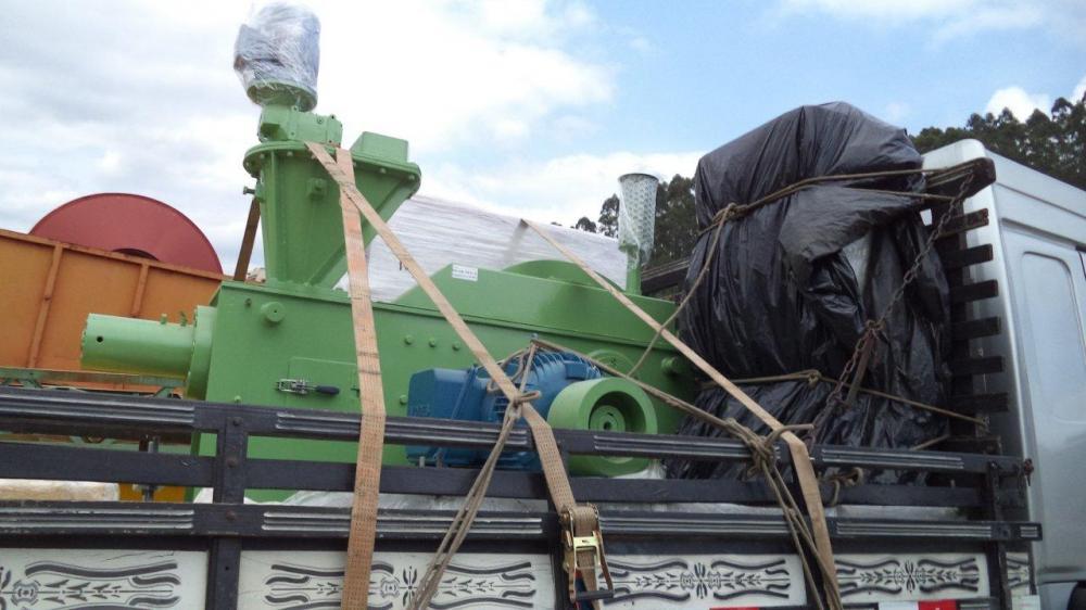 Lippel carga equipo al Uruguay