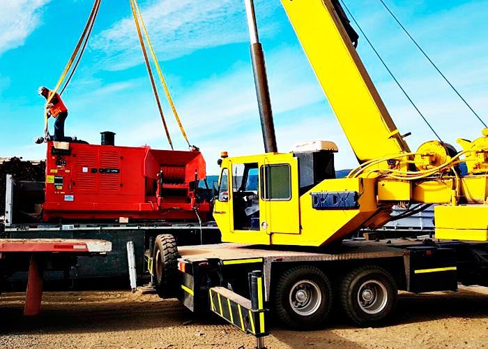 LIPPEL entrega Chipper Truck PFL 400X700 M sobre chassis de caminhão para cliente no Chile