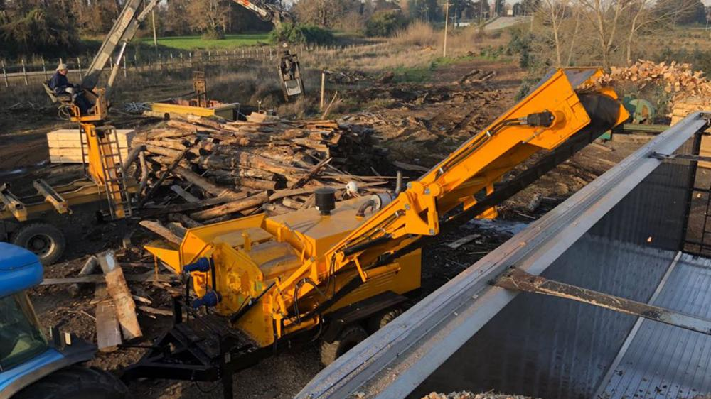 Lippel Forestry Chipper being used in the processing of wood in Chile