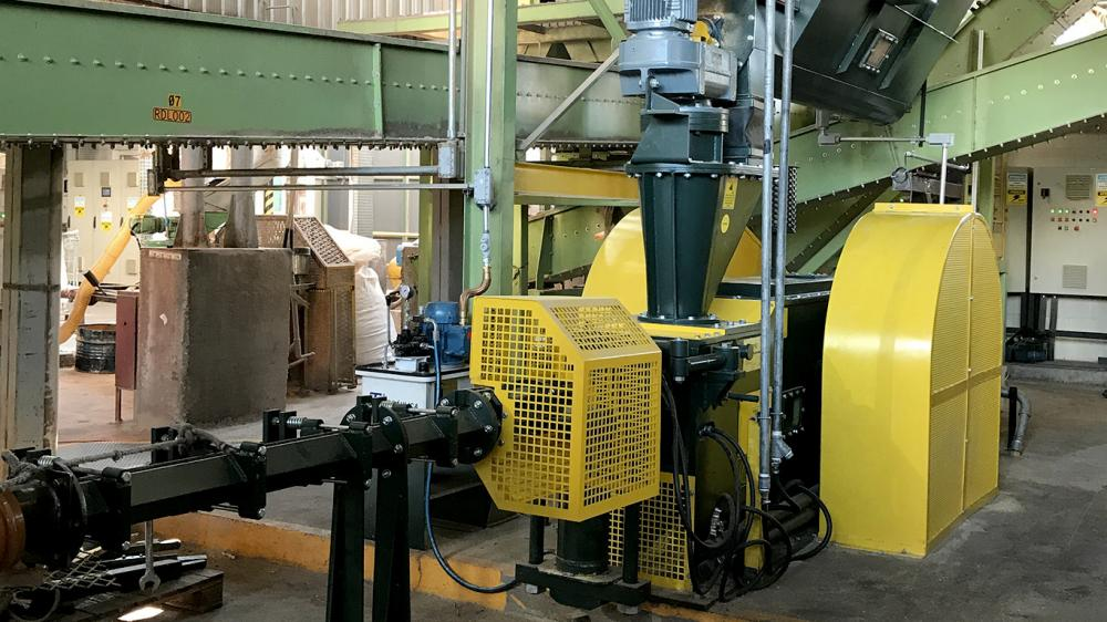 Lippel installs briquette machine in pencil and school supplies factory for recycling