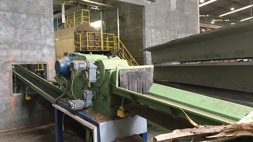 Lippel suministra máquinas para bodega e para una fábrica de muebles para que reaprovechen sus residuos.