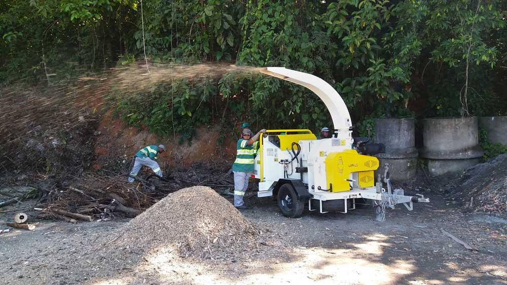 Lippel urban Wood Chipper purchased for the cleaning of intercity roads
