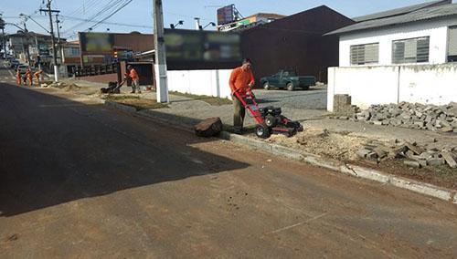 Trituradora de tocones adquirido por prestador de servicios para la limpieza urbana