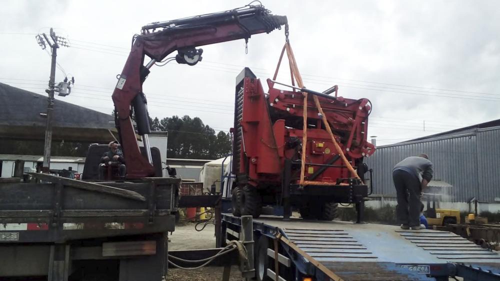 Chipeador Forestal PFL 500x900 MC entregado a cliente en el Río Grande do Sul
