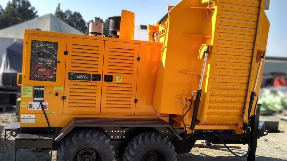 Company of Sanitation and Construction from São Paulo - Brazil acquires Forestry Chipper