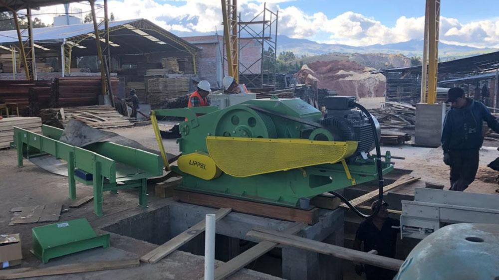 Delivery and instalation of fixed wood chipper to Equador