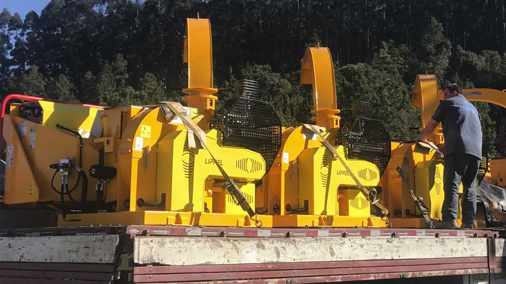 Delivery of fifteen Brush Chippers for urban cleaning in São Paulo - Brazil