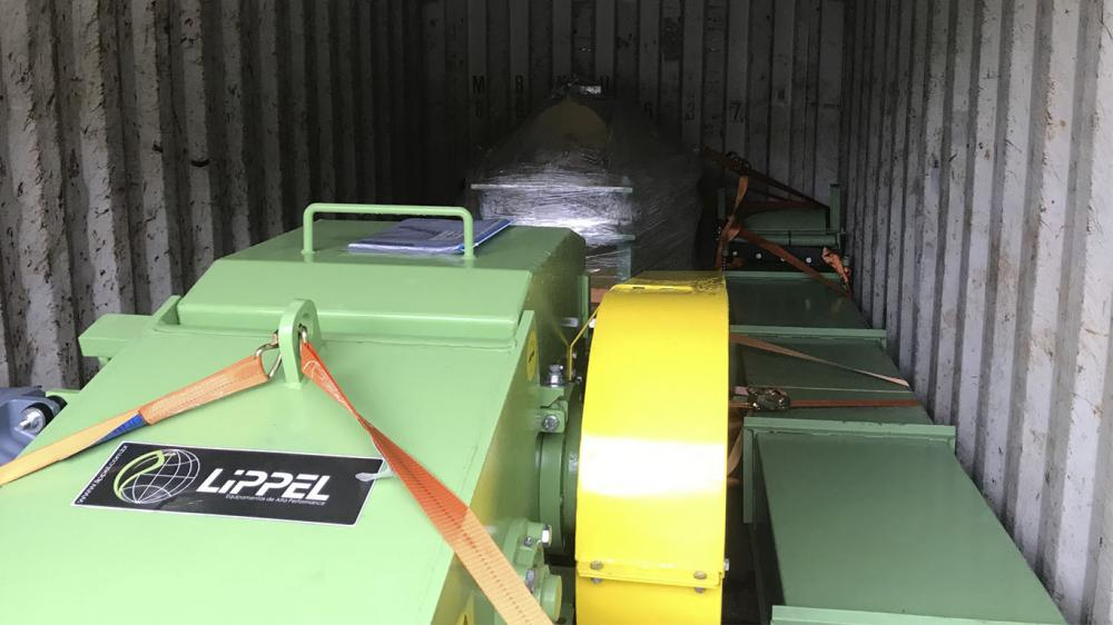 Delivery of Stationary Wood Chipper to a ceramics company in Colombia