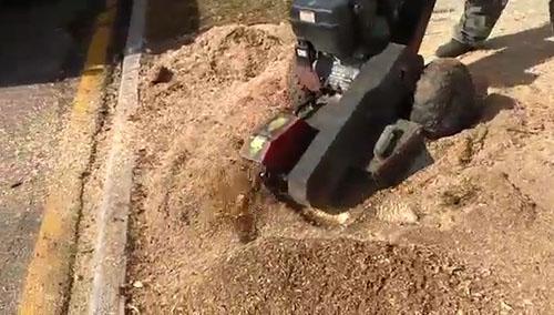Destocador adquirido por prestador de serviços para a limpeza urbana