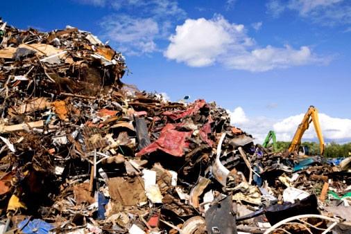 Entra em vigor a Política Nacional de Resíduos Sólidos, apenas 40% das cidades se adequaram.