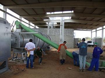 Fábrica de briquetes do Projeto Caatinga Viva está instalada