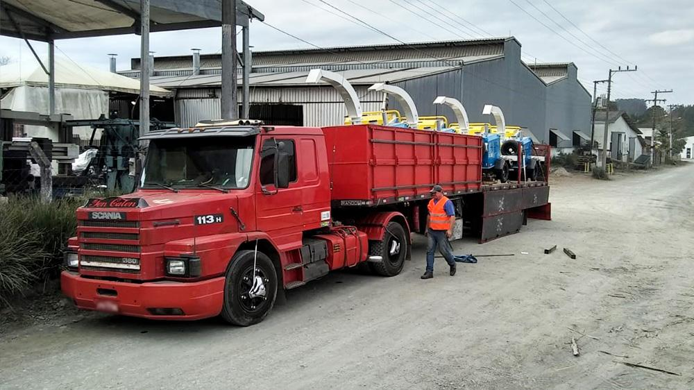 Frota de Chipeadoras de ramas entregada a la cliente de Chile