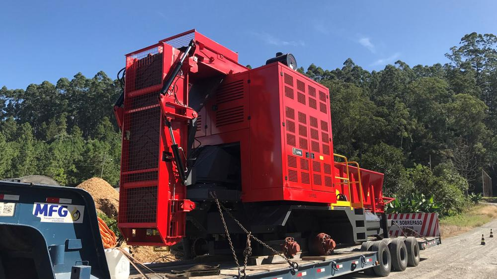 Heavy duty line of Lippel forestry chipper in use in Argentina