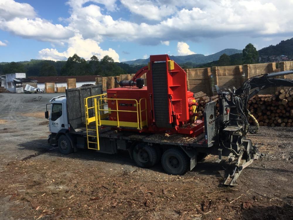 Lanzamiento - Picador de Chipper Camión PFL 400 x 700 M
