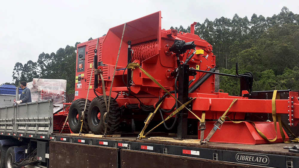 LIPPEL Carries Machine PFL 500 X 900 MC to Argentina.