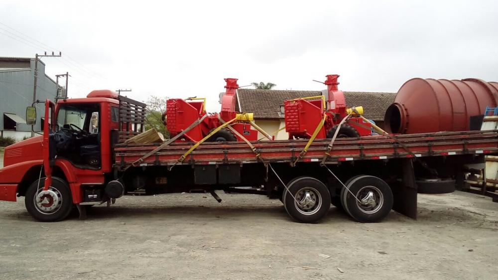 LIPPEL carries two Forestry Disc Chippers PDF 320 HDR EA to Chile