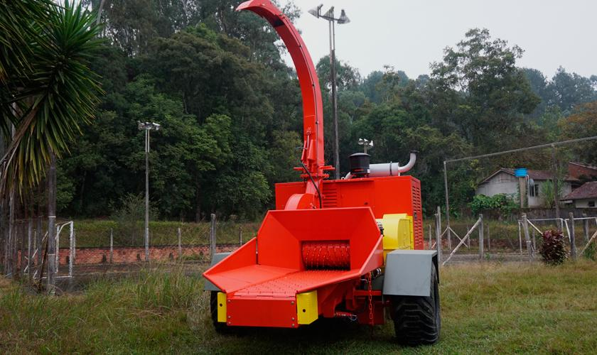 Lippel deliver wood chipper to Chile