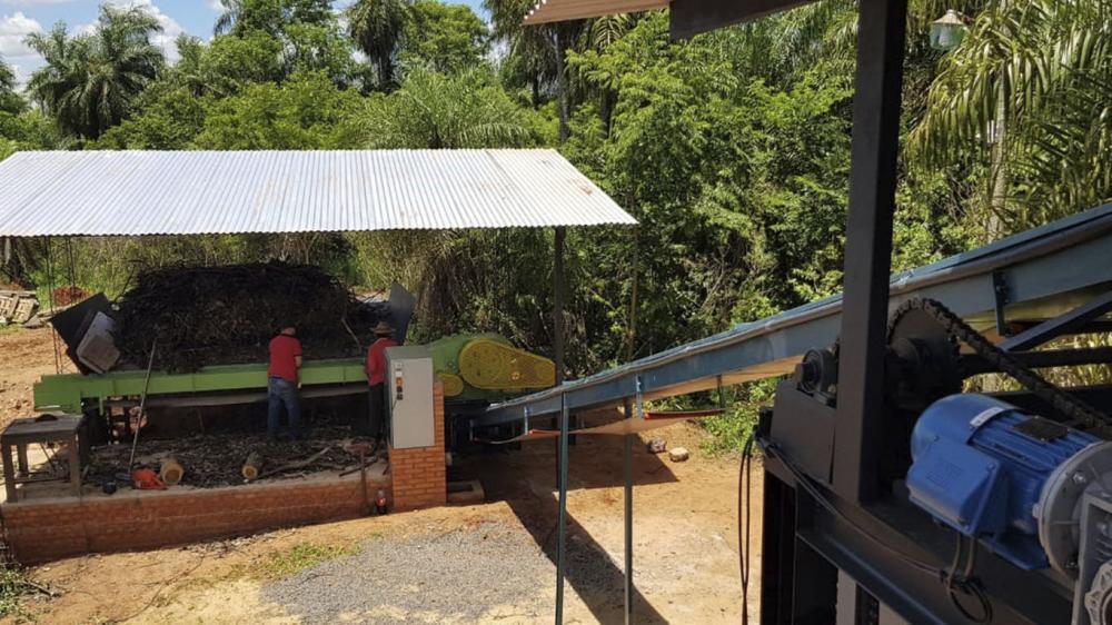 Lippel entrega e instala Chipeadora de Madera estacionario en Paraguay