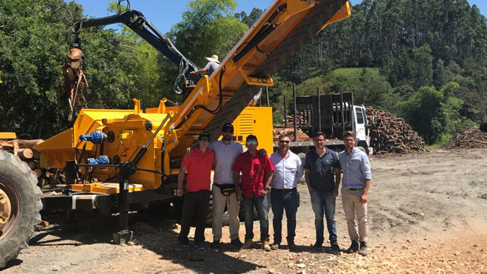Lippel receives clients from Chile to follow tests of High Performance equipment