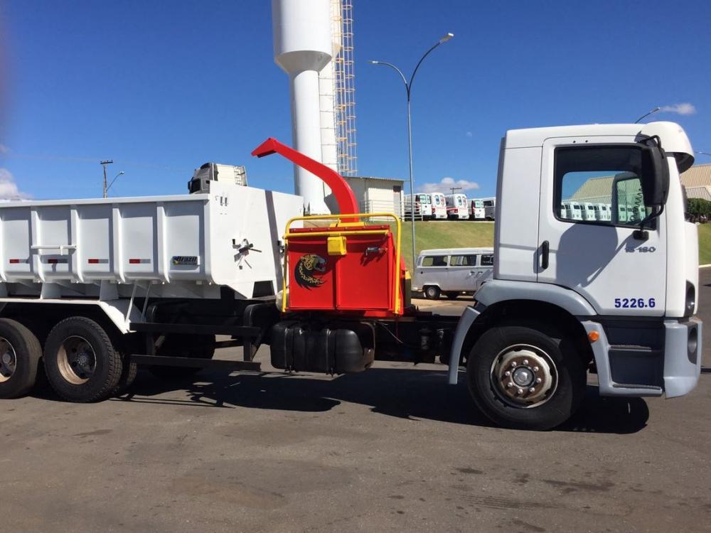 PDU 200 C sobre caminhão
