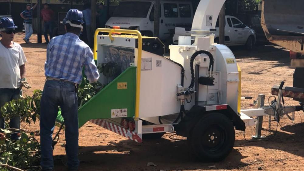 Reducción del volumen de los residuos orgánicos de podas urbanas y su uso en el compostaje