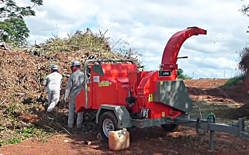 Wood Chipper and Crusher PDU 260 G – LAUNCH  of Lippel for a self-sustaining system