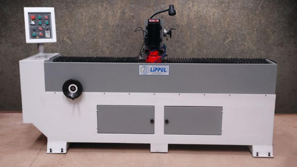 Utilizado para afiação de facas de picadores de madeira, moinhos, guilhotinas industriais, navalhas e demais equipamentos de corte industriais