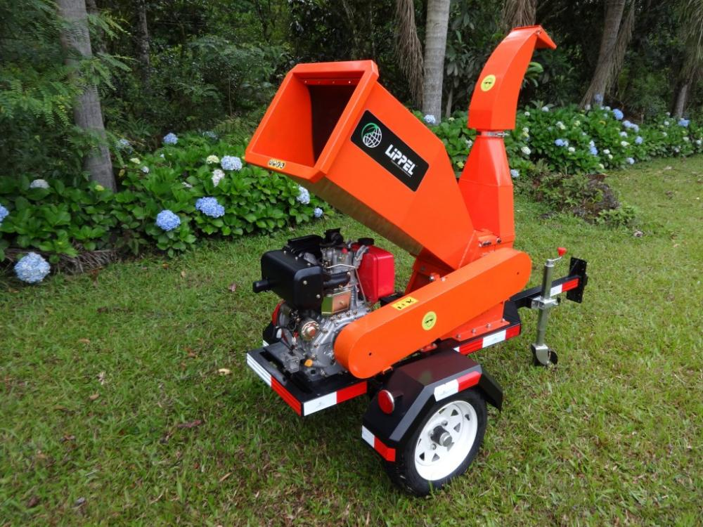 Bio Chipper urban with  Diesel engine and trailer for motorized transport.