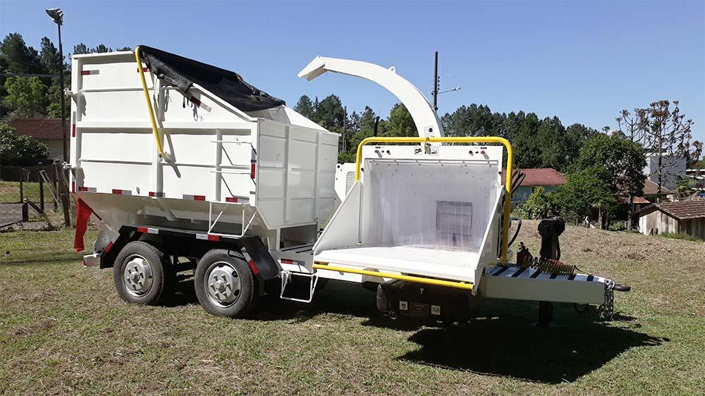 Ideal chipper for urban areas, with its own tipping cart for easier disposal of organic waste