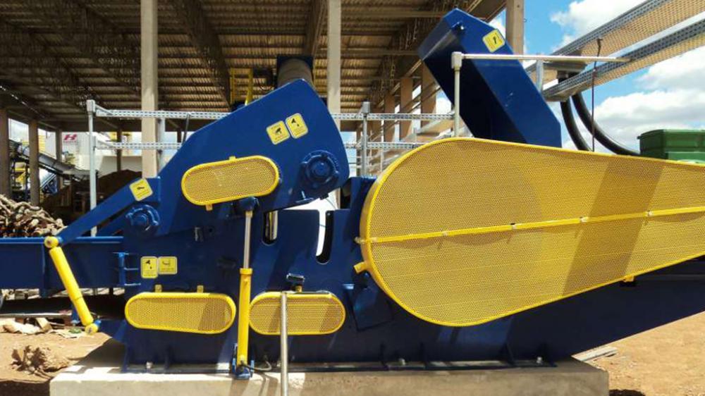 Destinado a aplicaciones pesadas, reutilizando todo tipo de residuo de madera, ideal para industrias que generan cerca de 190m³/h de residuos.