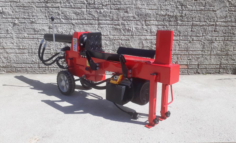 Compact log splitter, that make your job much easier