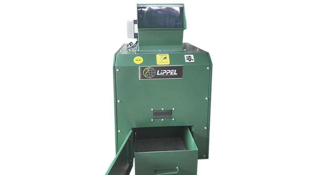 The glass shredder is a simple, silent and environmentally friendly equipment, perfect for bottle recycling.