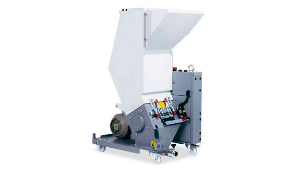 Knife Mill TM-06 is a versatile, sturdy knife mill grinding various types of plastic