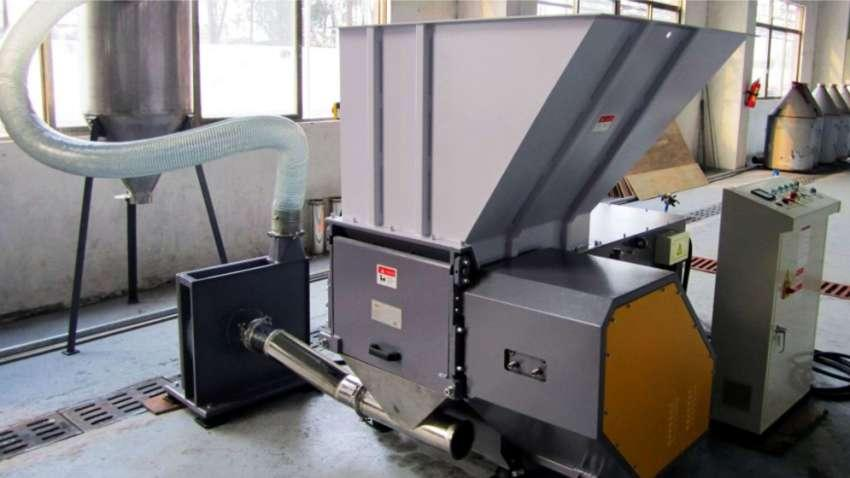 Alquiler de Trituradora de residuos sólidos Shredder Lippel TRS 600/25