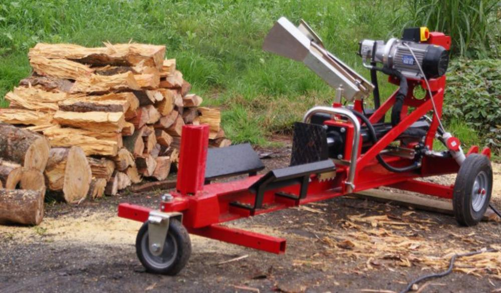 Log splitter developed to extreme mobility and flexibility operations, activated by a electric motor