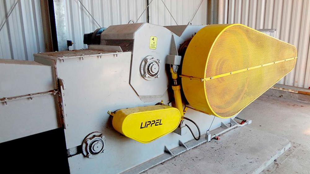 Picador de Madeira estacionário PTL 300 /500 x 600 com uma estrutura robusta corta 300 mm