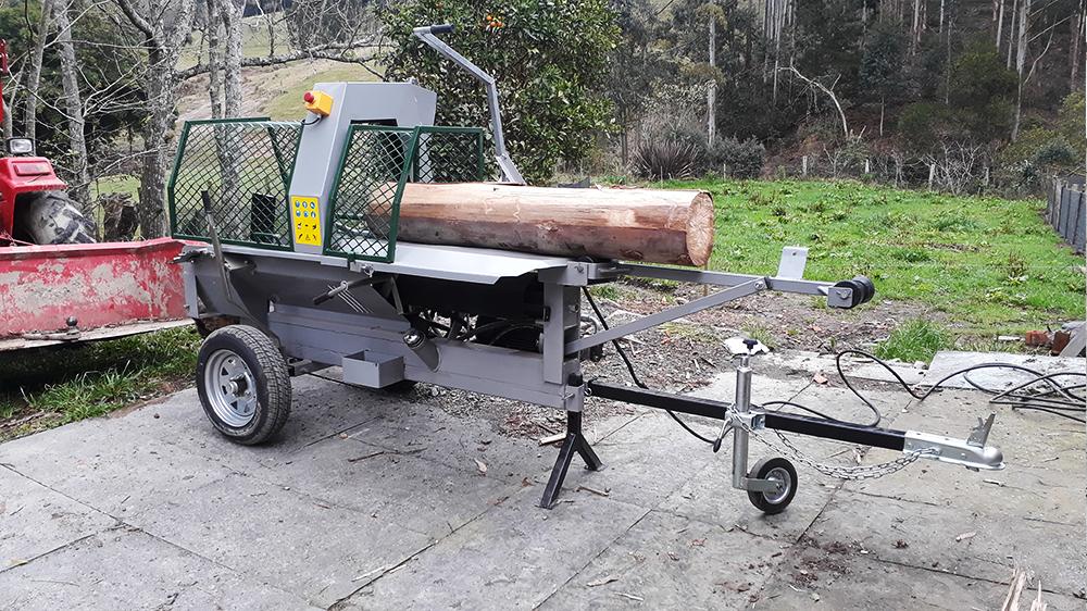 Robusto procesador de madera con accionamiento electrico de 10 toneladas