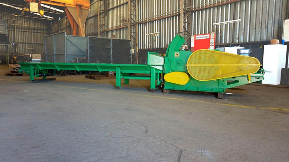 Machine widely used by companies that produce organic compost for composting, providers of urban cleaning services, landscaping companies and industries of laminates