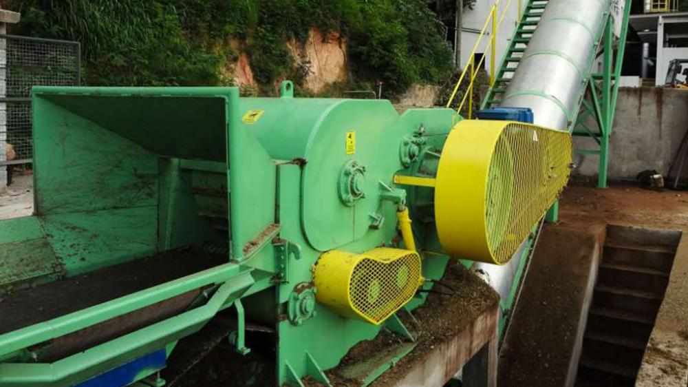 This is a machine widely used by companies that produce organic compost, providers of urban cleaning services, landscaping companies and industries of laminate.