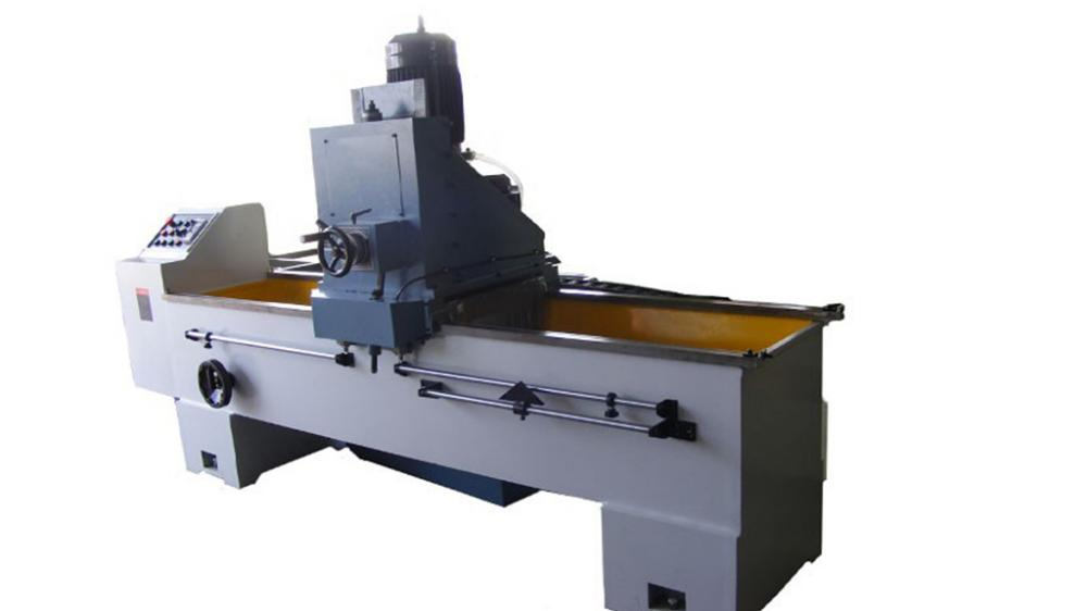 Automatic knife sharpener for sharpening various types of knives